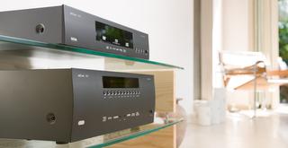 Arcam UDP411 Blu-ray lejátszó + Arcam AVR450 házimozi erősítő