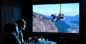 hazimozi-projektor-vs-televizio-300x153.